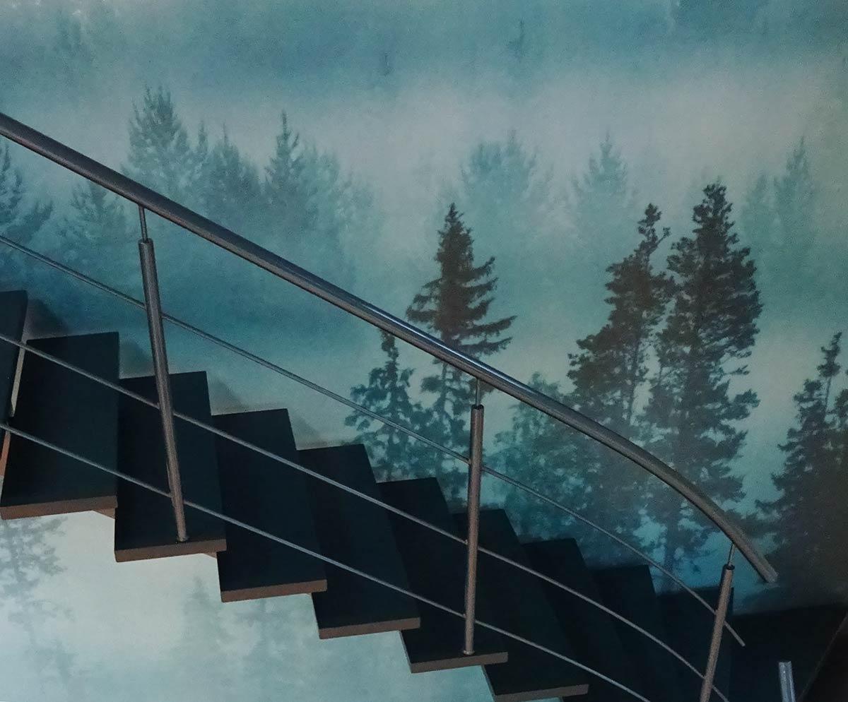 En trappa av stål.