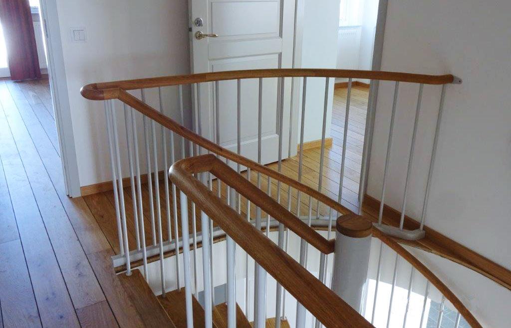 En ståltrappa.